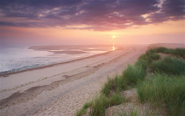 beach-holkham-bay_1938588b