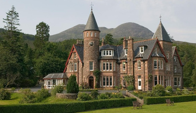 4 torridon hotel walking holidays