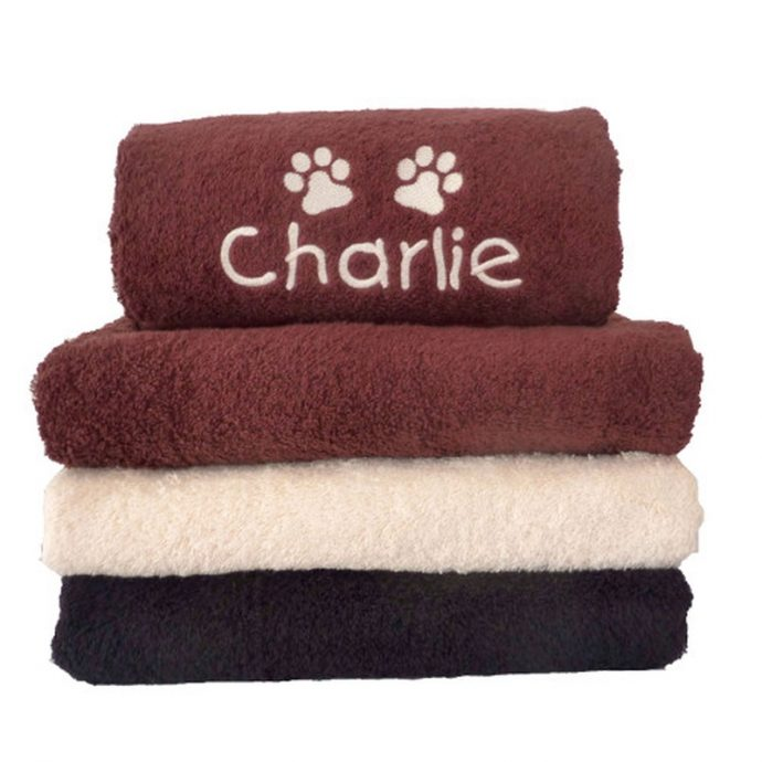 dogs-bathing-my-muddy-paws-personalised-pet-towel-cream-mup-00010-0